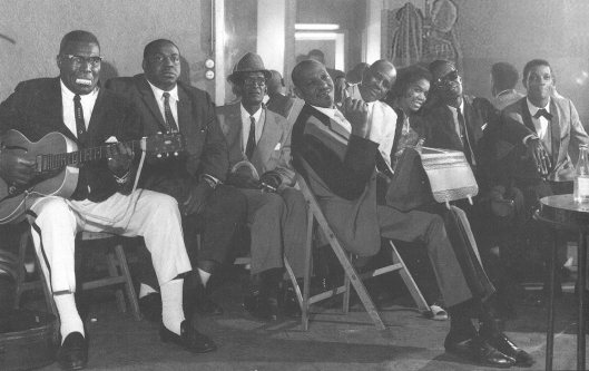 photo: Sleepy John Estes, Sonny Boy Williamson II, Sunnyland Slim, Sugar Pie DeSanto, Lightnin' Hopkins, Hubert Sumlin source: Les Génies du Blues, Volume 2.
